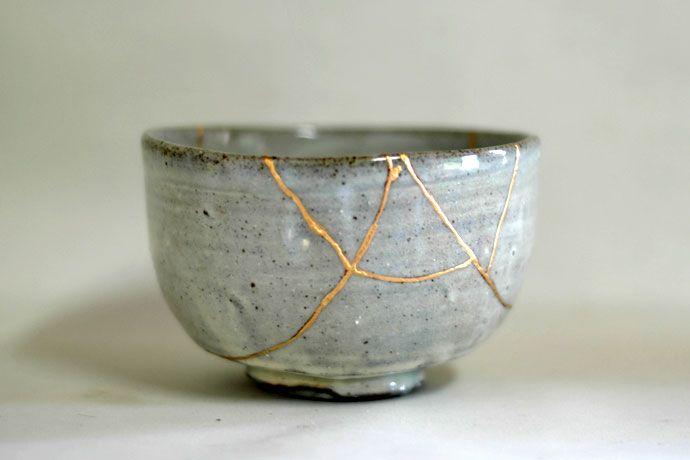 kintsugi: usare l'oro per riparare gli oggetti