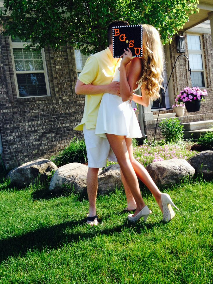 A perfect graduation picture #Couple #BGSU #Graduation