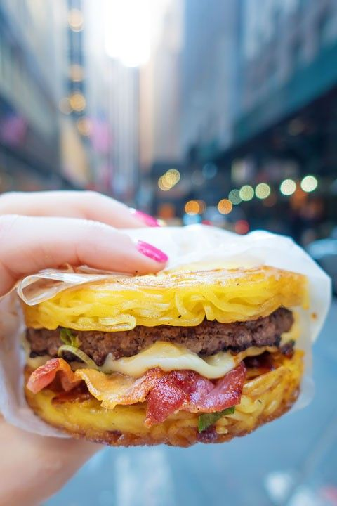10 Fun Things You HAVE to Eat in NYC!!!