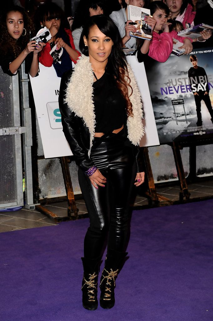 Lisa Maffia - Justin Bieber: Never Say Never - UK Premiere blackwomeninboots.blogspot.com