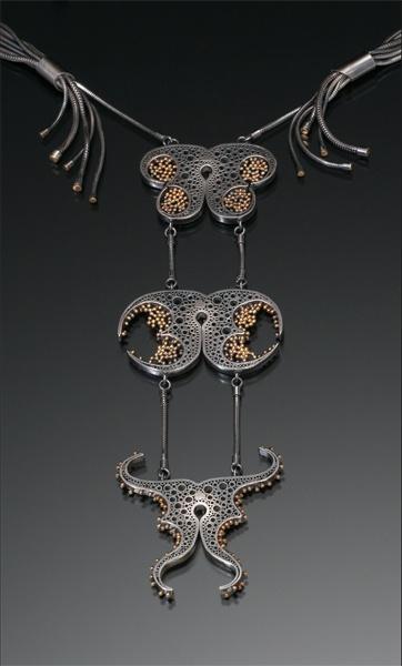 Short Pendant - Petina Rust Flower by VIDA VIDA uvuyC