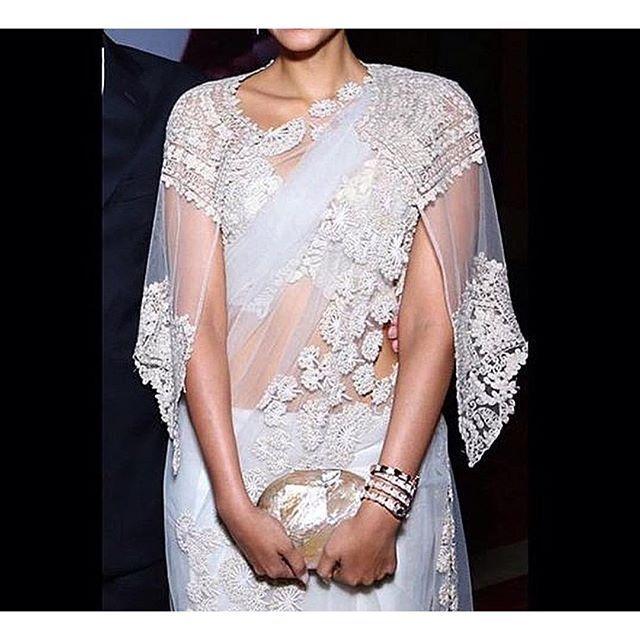 Cape saree bouse #blouse #saree #sareeblouse #fashion #indian #indianfashion #hindi #sonamkapoor #actress #bollywood #tollywood #kollywood #tamil #telegu #india #indiangirl #girl #couture #sewing