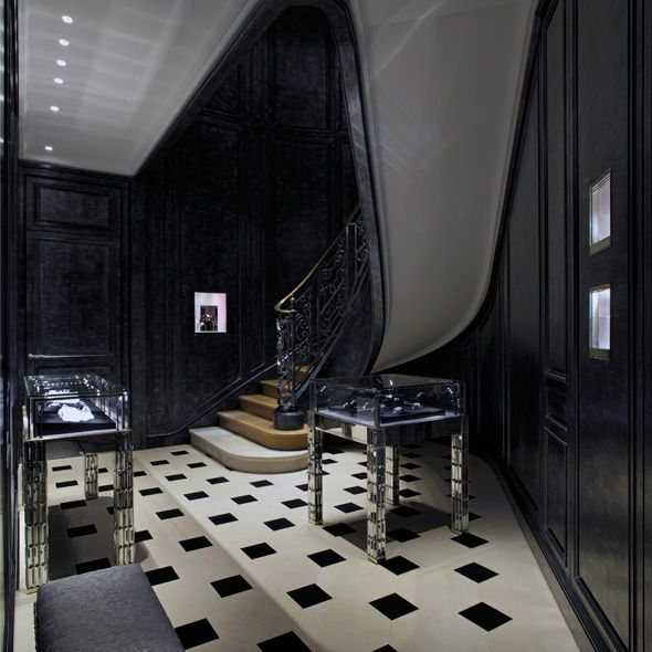 Dior store in Paris by Peter Marino