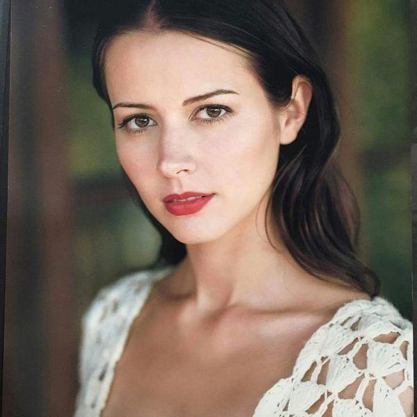 Beautiful Amy Acker