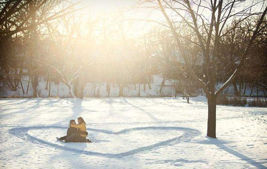 20 Schnee Schneeflocken herz Hochzeitsfoto romantisch sonnig idee Hochzeit im Winter –Heiraten mit Schnee/ Schneeflocken