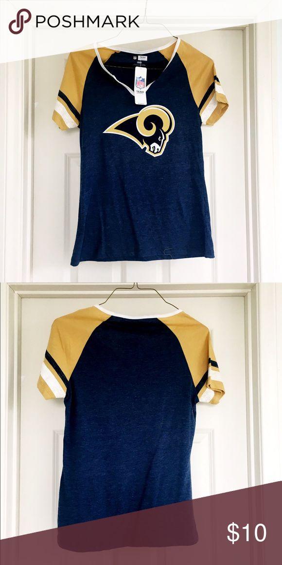 🐑 BNWT LOS ANGELES RAMS T SHIRT 🐑 Brand new RAMS t shirt- never worn, still has tags.  NFL Team Store brand.  Cute top!  Women's size medium. NFL Team Store Tops Tees - Short Sleeve
