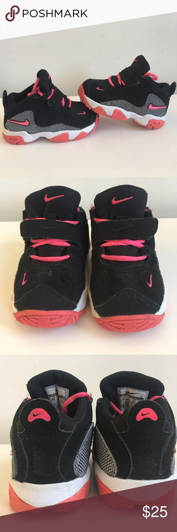 AIR NIKE TURF RAIDER SZ 6C ! (Girls) In good condition. Was bought years ago child is 6 now. Doesn't come with Box. Never been worn for that long . I didn't try to clean it, Taken just as is. Any questions feel free to ask :) tried looking for a pair of these online to match but they're sold out . Nike Shoes Sneakers