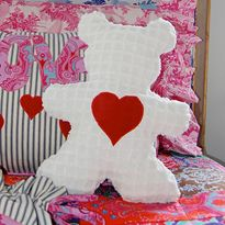 Sis Boom Beauregard Bear Free Pattern and sewing tutorial. Simple and cute.