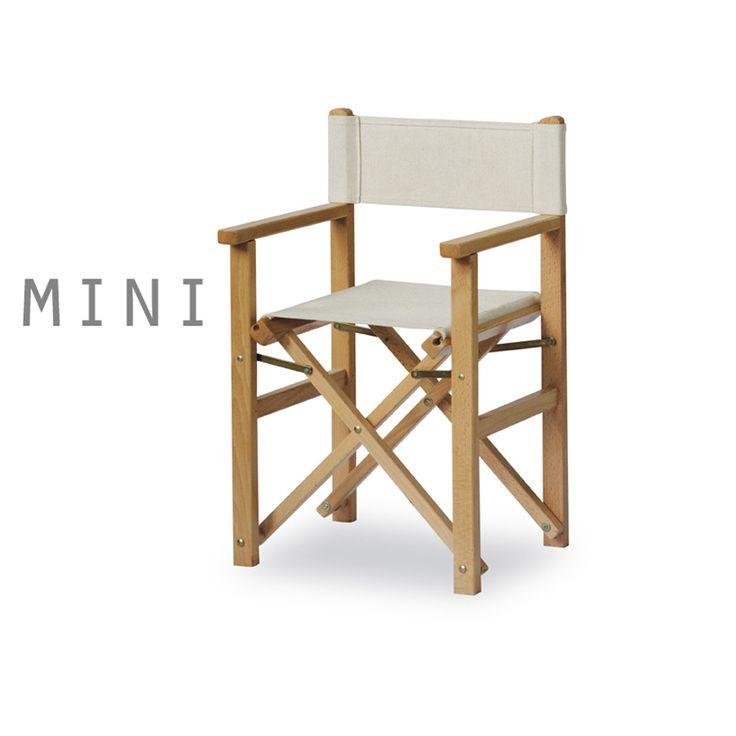 Reista P-MC MINI. Sedia regista per bambini ideale sia per l'interno che per l'esterno. Pieghevole, permette di occupare meno spazio quando riposta. Realizzata in legno di faggio tinto naturale e con tessuto ecrù.