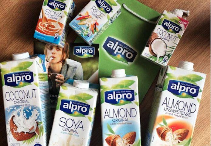 Should You Actually Stop Drinking Regular Milk?   Unwritten