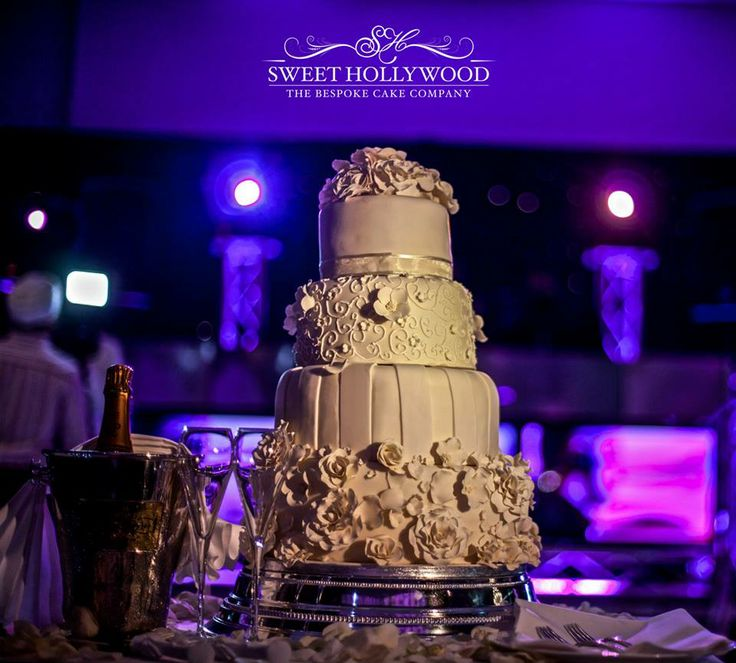 Park plaza westminster bridge wedding cakes