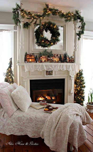 Find this Pin and more on Christmas decs crafts. The 25  best Christmas bedroom decorations ideas on Pinterest