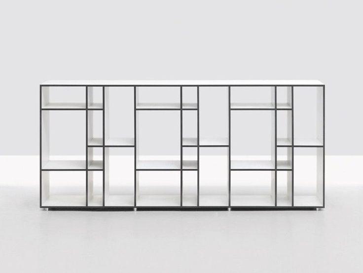 Libreria autoportante bifacciale in legno CODE 2 by ZEITRAUM | design Nana Bambuch