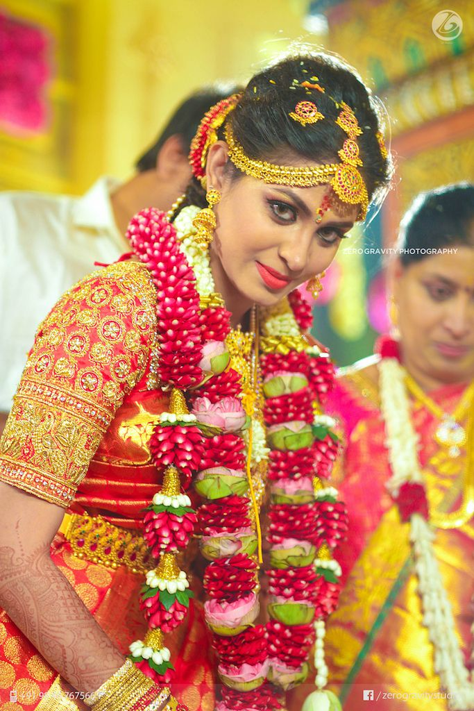 71 best indian wedding garlands images on pinterest indian bridal indian weddings and wedding. Black Bedroom Furniture Sets. Home Design Ideas