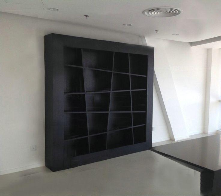Черный книжный шкаф из МДФ в стиле модерн купить в интернет-магазине https://lafred.ru/catalog/catalog/detail/37908398240/