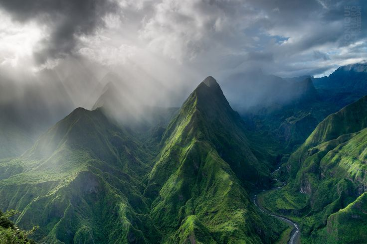 The Cirque de Mafate on Réunion Island [15001000] By Véronique Rochard #reddit