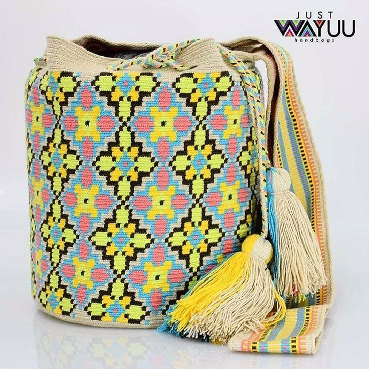 260 отметок «Нравится», 6 комментариев — Just Wayuu (@just.wayuu) в Instagram: «Handcrafted handbags made by indigenous wayuu in the north of Colombia. Worldwide shipping – envíos…»