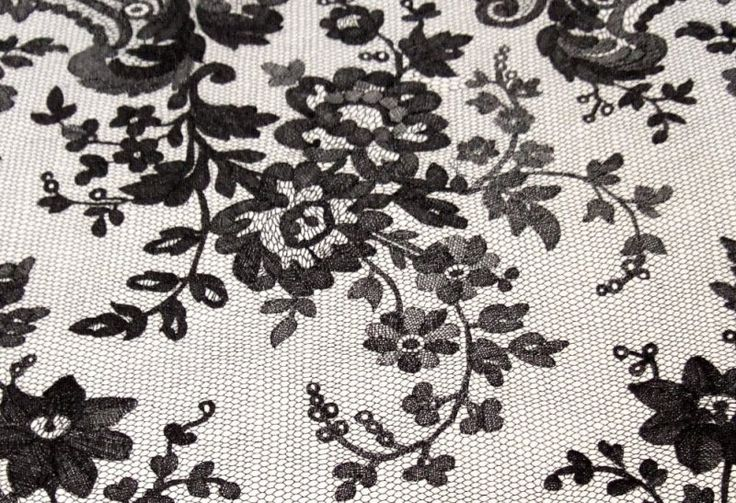 black-lace-shawl-detail1