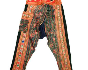 vintage hmong pants batik Embroidered hand-woven cotton| hmong pants,hmong clothes,hill tribe pants ,vintage pants |  Size Waist:32 Hips: Free size Length: 37  You can Check Item Contacts me PLEASE CHECK OUT OUR OTHER UNIQUE ITEMS IN STORE! www.etsy.com/shop/IHave1piece  facebook : www.facebook.com/aprilbyphonpawee [thai launguge] you can contacts us