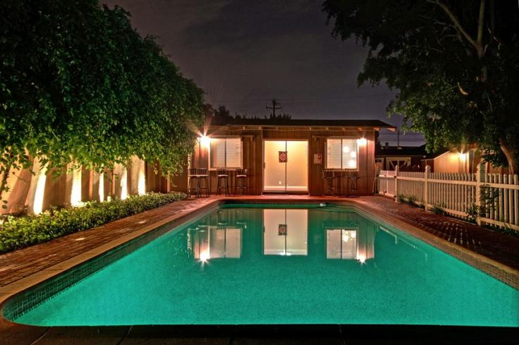 New!! Private Heated Pool on Huge 13,000 Sqft Lot and Trampoline in Anaheim