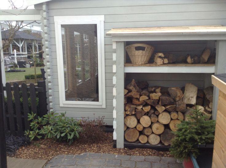 Hand build DIY log store #gardendiy