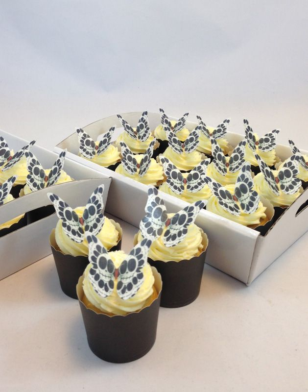 Skull Butterfly Cupcake Kit. Click here http://www.icingonthecakekits.com/item_116/Skull-Butterfly-Cupcake-Kit.htm $39.95
