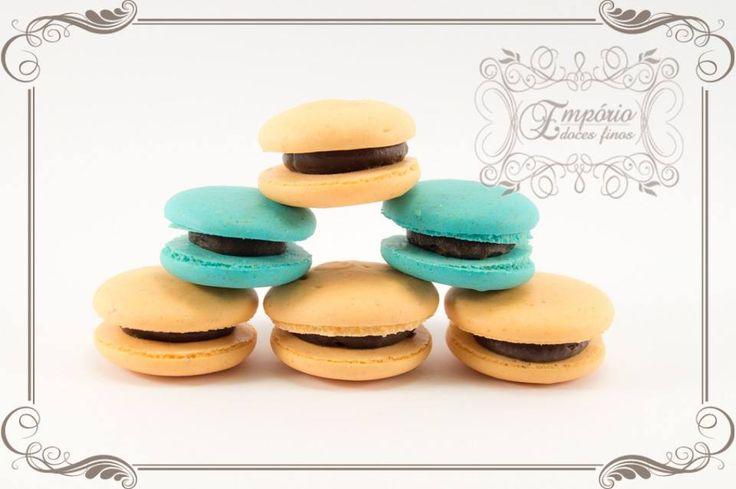 Você sabia que esses docinhos chamados macarons são docinhos de origem francesa, muito saborosos por sinal! Empório Doces Finos.