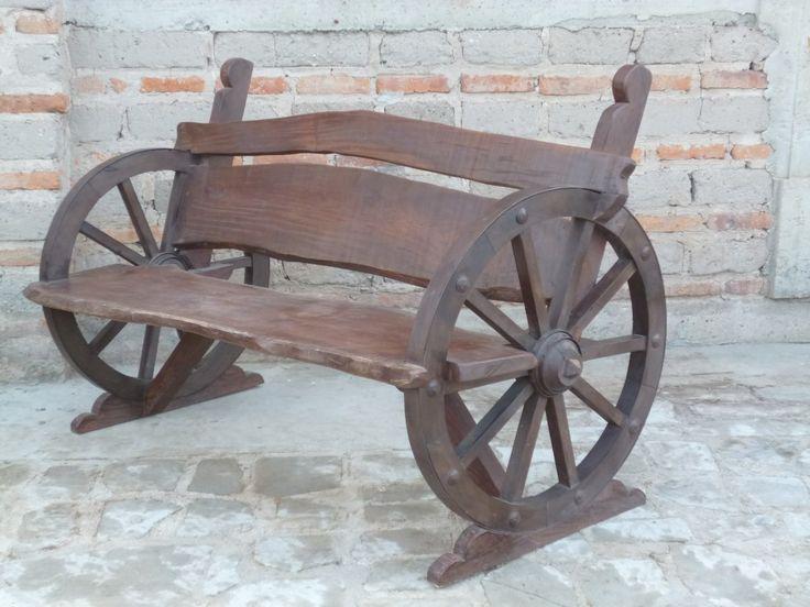 Carretillas de madera antiguas buscar con google for Carros de madera para jardin