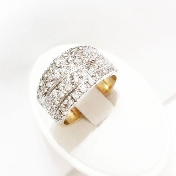 Anello Fascia Pavè Donna in Oro 18kt  750 con Diamanti 0,60CT G- VVS VERO AFFARE #gioielli #jewels #jewellery #jewels #jewelry #diamonds #ring #diamond #pavè #anello #18kgold #oro18kt #orobianco #orogiallo #anellofidanzamento #fasciA #GIOIELLERIACENTROORO
