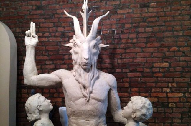 Satan-is-here-and-he-is-fabulous._featured_photo_gallery.jpg (648×430)