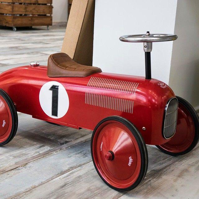 Jeździk czerwony, wyścigówka retro #Vilac #WyjątkowyPrezent #RuchToZdrowie