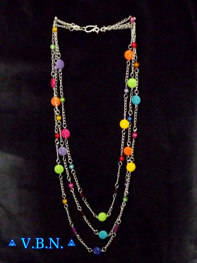 Collier aux 10 possibilités avec perles acrylique smarties et perles entroises…
