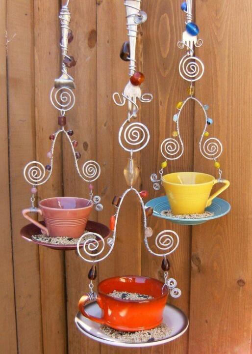 Love this recycled bird feeder