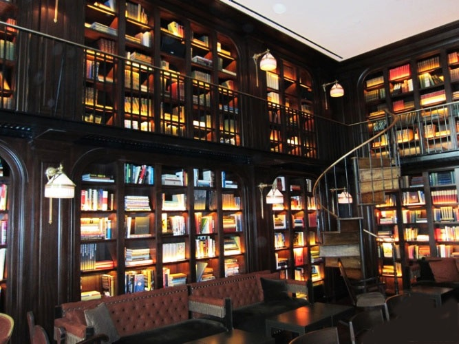 Nomad Library Hotel Bar