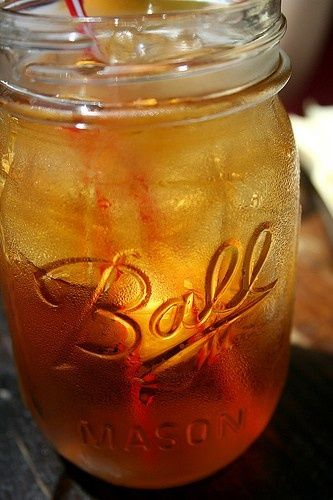 sweet tea in a mason jar