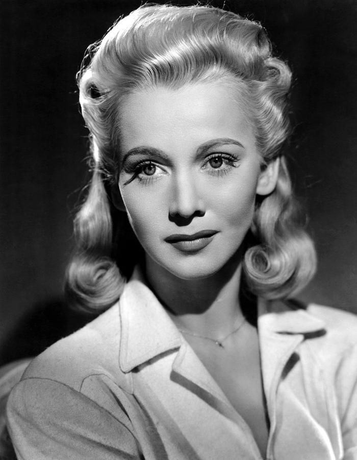 Hairstyles and fashions from the silver screen movie hairstyles carole landis born