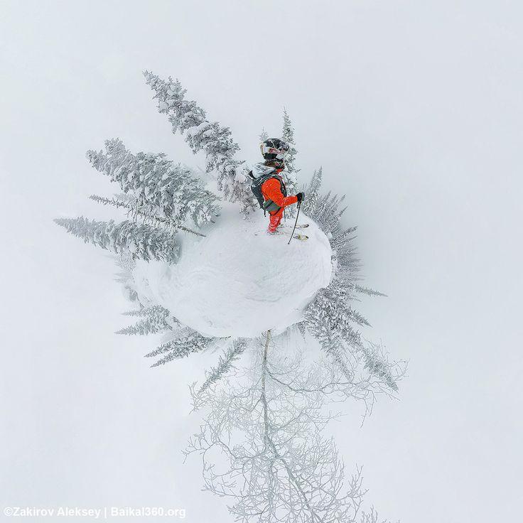 Я не я без панорамок. Планета фрирайда, вам в ленту. Маленький белый снежок счастья для любителей по взрывать пухляк. Снимал с рук, между делом, но на удивление быстро и хорошо все сшилось. Фото: Закиров Алексей #mamayfirstsnow2017 #baikal360 #baikal #snowboarding #freeride #russiafreeridecup #siberia #lakebaikal #backcountry #heliski #snowboard #fwt #fwq #mamay #намамаеснеганет #фрирайд #сноуборд #байкал #кубокроссии #горы #зима