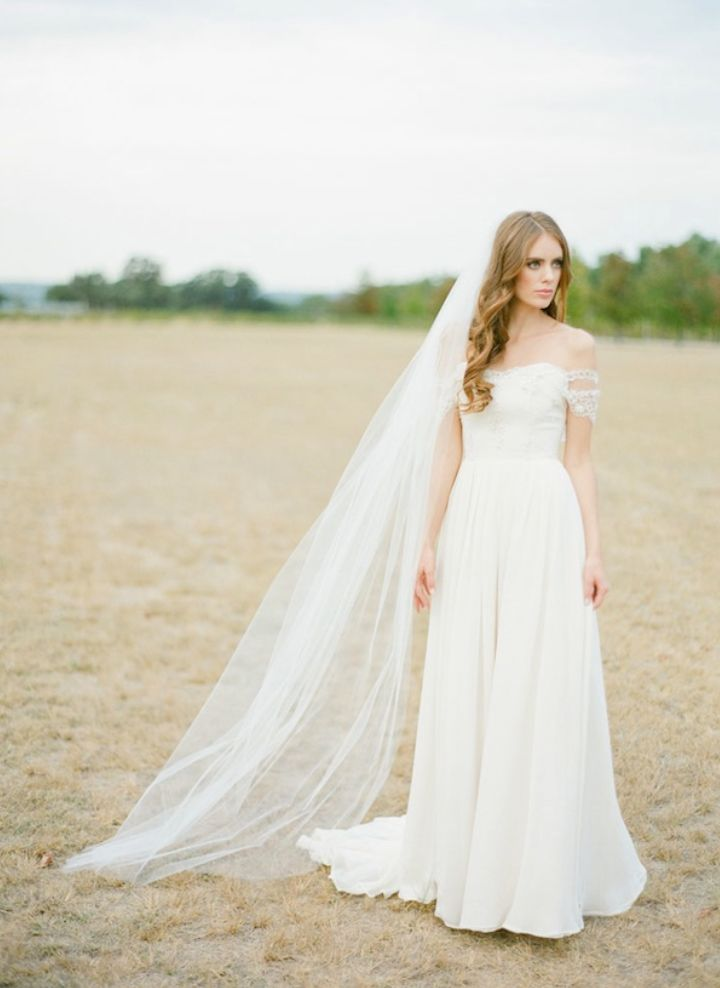 LOVE FIND CO The WYNTER / Classic Chapel Length Wedding Veil by Percy Handmade