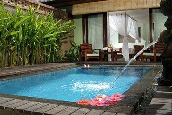 Minimalis pool at Rama beach resort and spa Bali