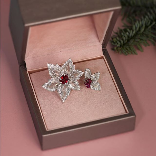 This Burma Ruby double Palm ring - as worn by @emelisande on last Saturday's Strictly Come Dancing Final - is something that will look good underneath every Christmas tree  #thelondonjeweller #palmcollection #ruby #strictlyfinal #giftideas #festiveseason
