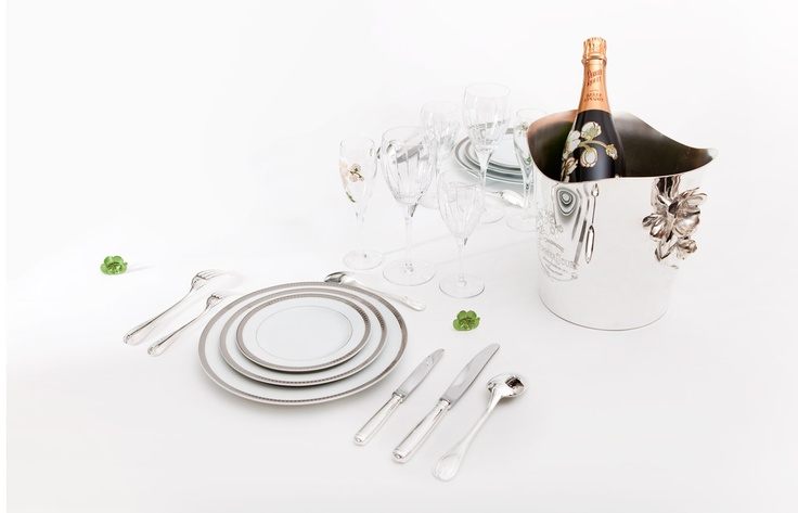 Perrier-Jouët's cuvées are to be found on the most prestigious tables. In 1861, Queen Victoria appointed Perrier-Jouët official supplier to the British crown; orders then followed from the courts of Sweden, Napoleon III and the Empress of Russia Marie of Hesse. #champagne #history #royalty Please Drink Responsibly