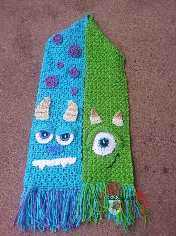 Monstruo de la bufanda de ganchillo por HatchedWithLove en Etsy