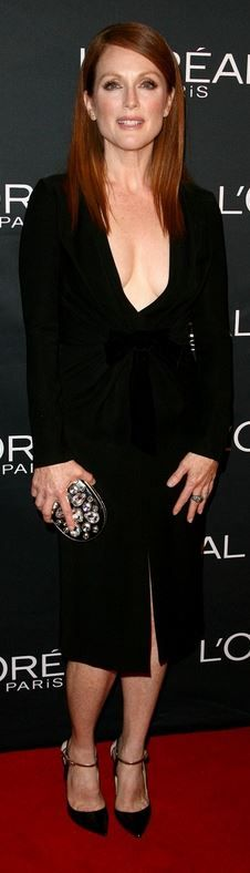 Who made  Julianne Moore's black long sleeve dress and pumps that she wore in Toronto?
