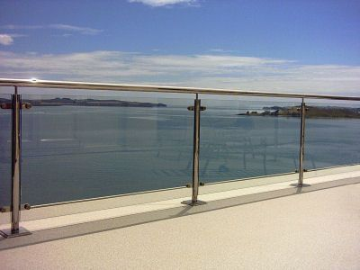 Balcony balustrade with rounded posts and handrail