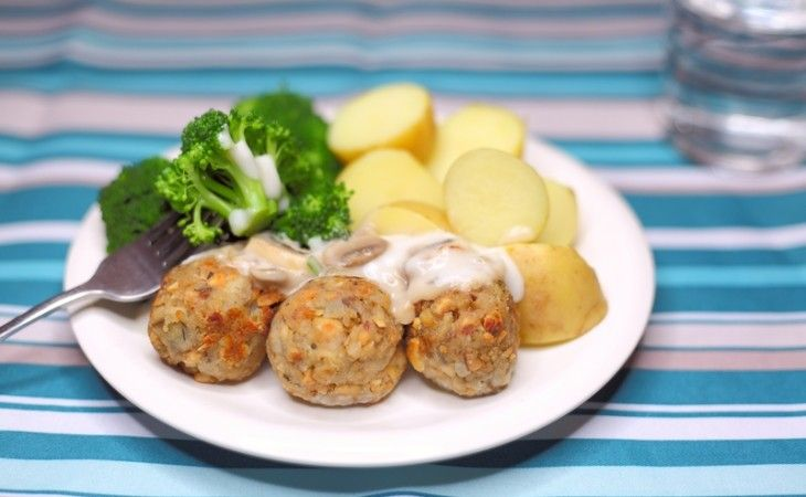 Vegan Nuts & Mushrooms Meat Balls, with Mushroom Sauce.