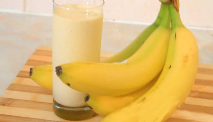 Banány bychom měli jíst každý den. Jsou velmi zdravé, obsahují vlákninu a minerály, navíc nás zbaví nevzhledného břišního tuku.