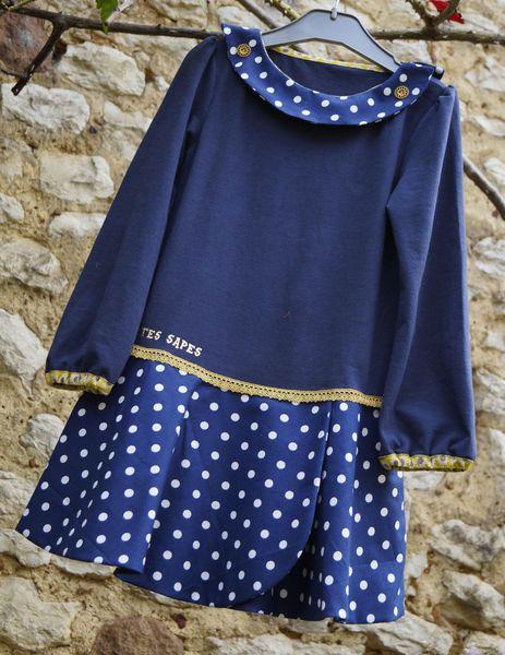 Robe en jersey bleu marine et col à pois