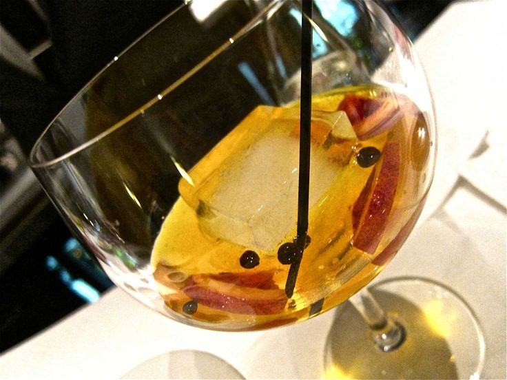 The gin and tonic is reborn Spanish-style at BCN Taste and Tradition.