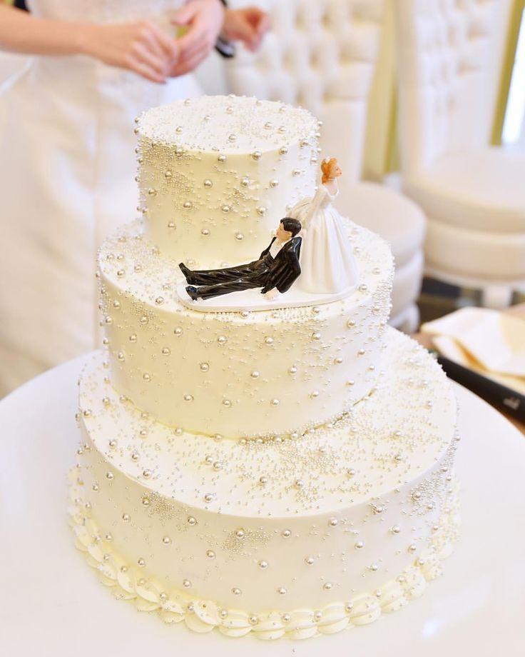いいね!86件、コメント1件 ― ザ・ロイヤルクラシック福岡さん(@theroyalclassicfukuoka)のInstagramアカウント: 「. wedding cake . 雪の結晶のような 季節感のある ウェディングケーキ . . #ザロイヤルクラシック福岡 #ロイヤルクラシック #ロイヤルクラシック福岡 #結婚式 #結婚式場…」
