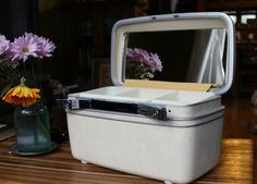 HOW TO CLEAN VINTAGE LUGGAGE - OLD SAMSONITE SUITCASES ETC. Milky Train Case